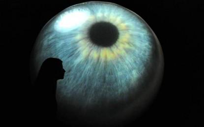 Visión nocturna con gotas para los ojos