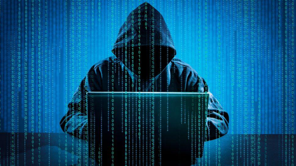 Malos hábitos que atraen a los hackers y estafadores
